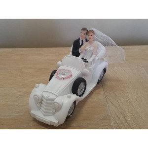 Sposi resina in auto
