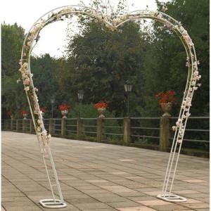 Arco metallo bianco a cuore